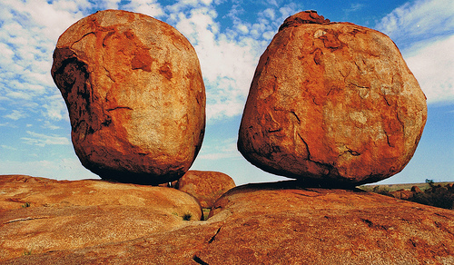 devils marbles 10 of the Worlds Most Amazing Geological Wonders