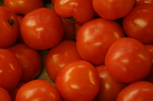 tomatoes 10 Poisonous Fruit & Veg That We Actually Eat Every Day